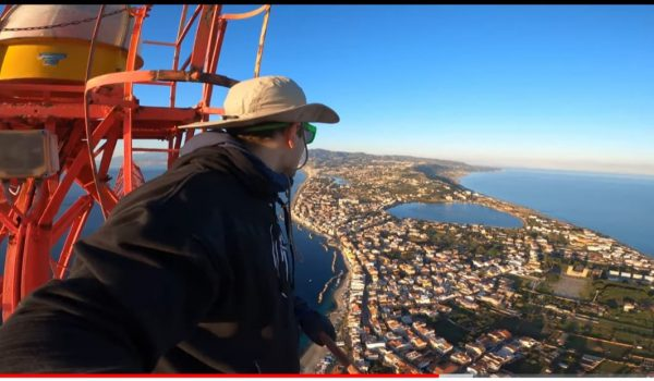 Il Pilone di Messina scalato a mani nude, video diventa virale