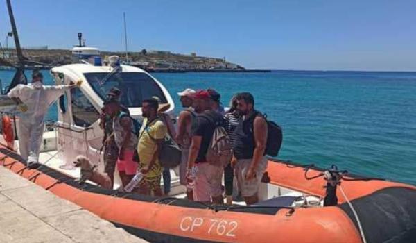 Migranti: in Sicilia arriva l'esercito